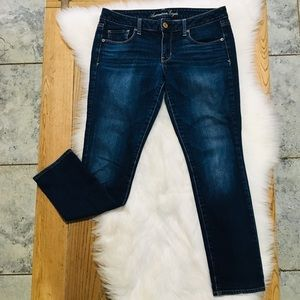 American eagle skinny jeans size 10 short